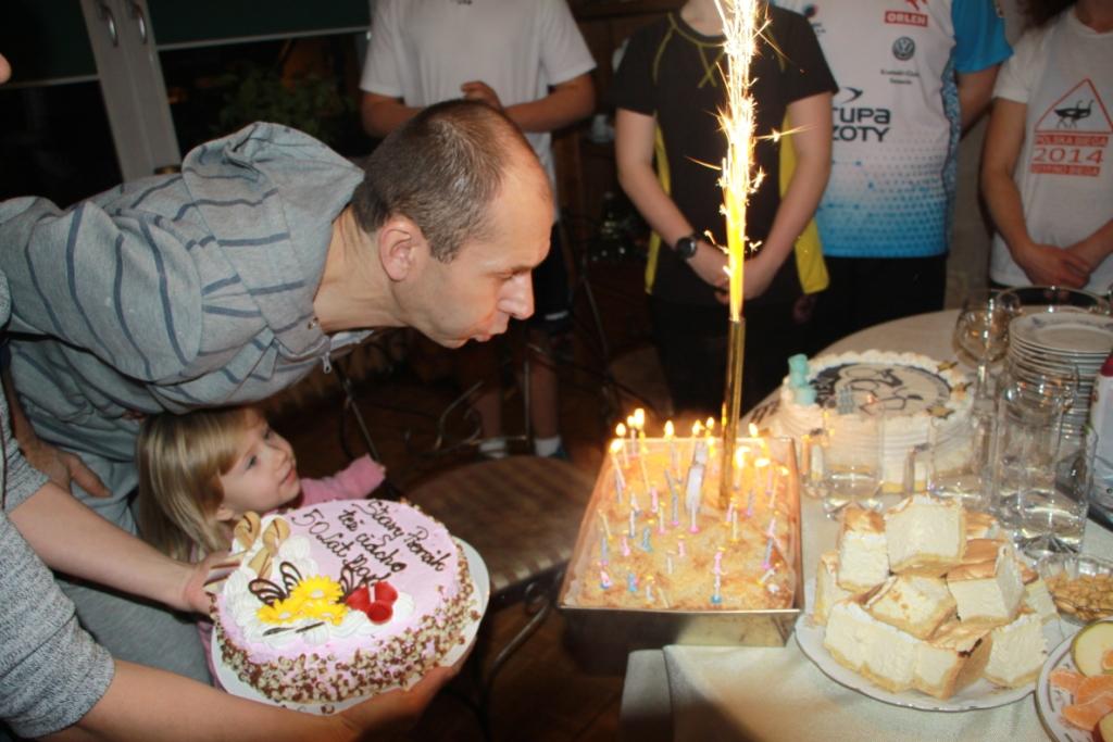 Dał radę zdmuchnąć 50 świeczek