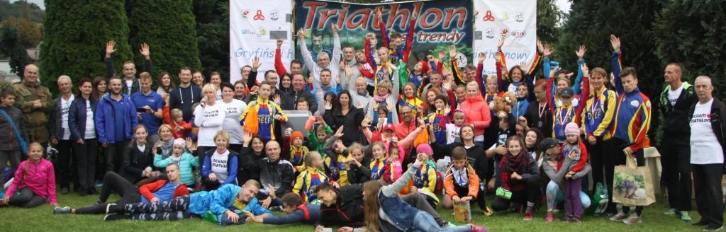 Uczestnicy 12 Gryfińskiego Festiwalu Triathlonowego