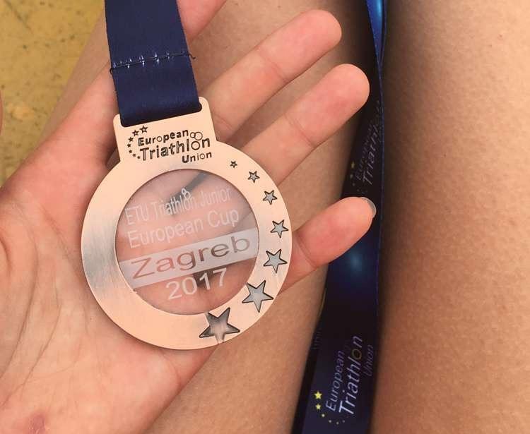 Medal Julii Saneckiej zdobyty w Pucharze Europy Juniorów w Zagrzebiu 10 września 2017 roku.